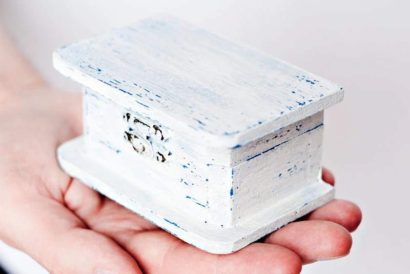 SALE 25% -Shabby chic blue and white hand painted wooden box for decoration of weddings in rustic style - natural wood, vintage style - LittleWoodyDuck