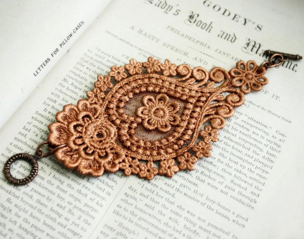 lace bracelet cuff -AGHNA- (metallic burnt orange)