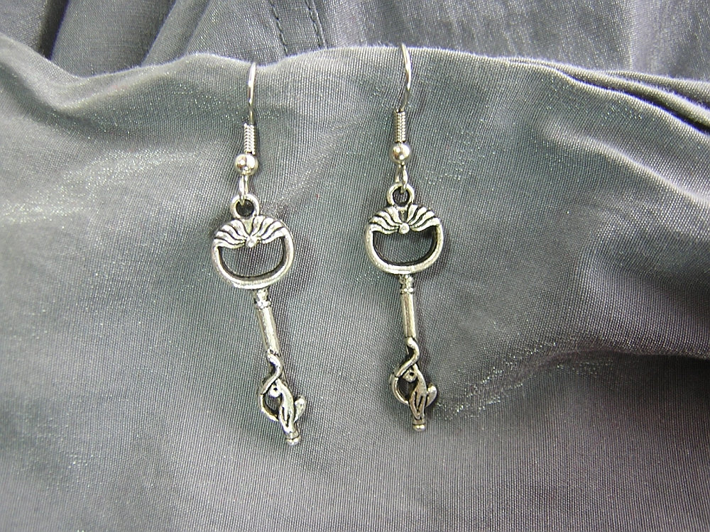 Cat Key Simple Charm Earrings - Handmade by Rewondered D225E-00855 - $9.95