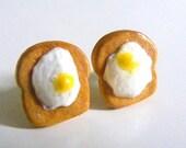 Polymer Egg Earrings, Polymer Fried Eggs on Toast Earrings, Miniature food, Polymer Food Jewelry, Food Jewellery - Sweetystuff