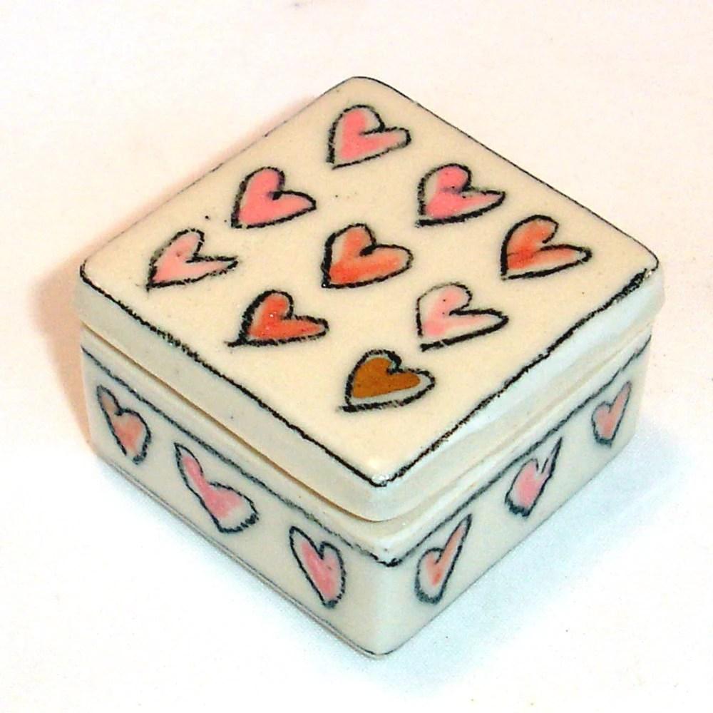 tiny porcelain heart box - gonetopottexas