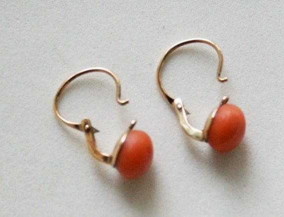 Perfect Antique Coral Gold Earrings 14 karat k 1900 Salmon 585 Austrian Antique Vintage Pierced Classic Simple