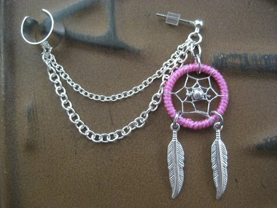 Dream Catcher Ear Cuff Chain Cartilage Earring- Pink Feather Dreamcatcher Charm Stud Earcuff Piercing