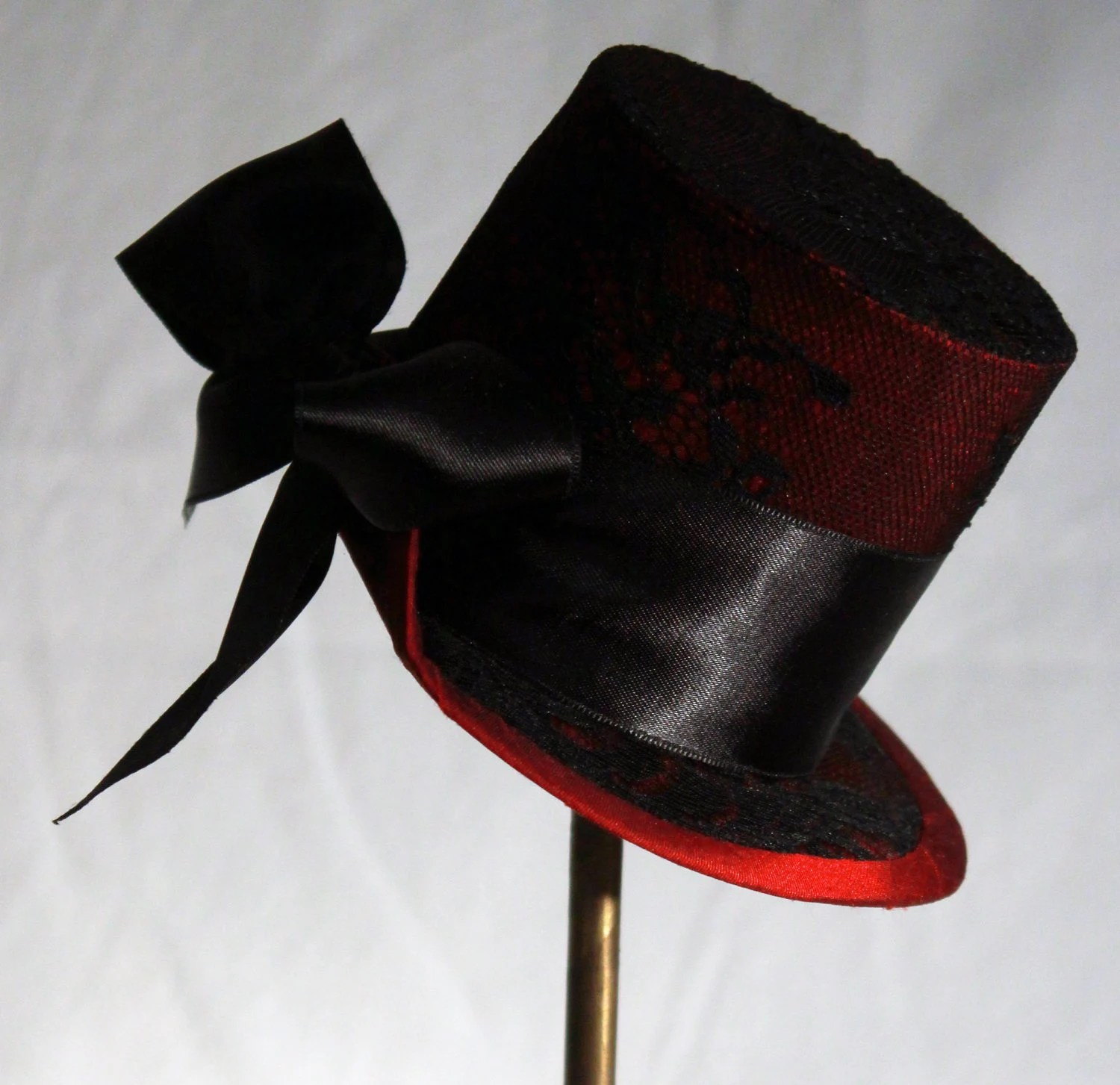 Red Silk and Lace Mini Top Hat