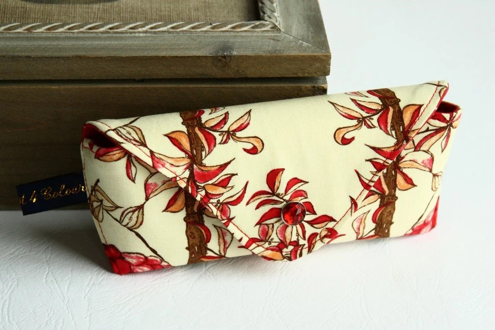 Eyeglass sunglass case red brown branches leaves on beige - Zest4Colour