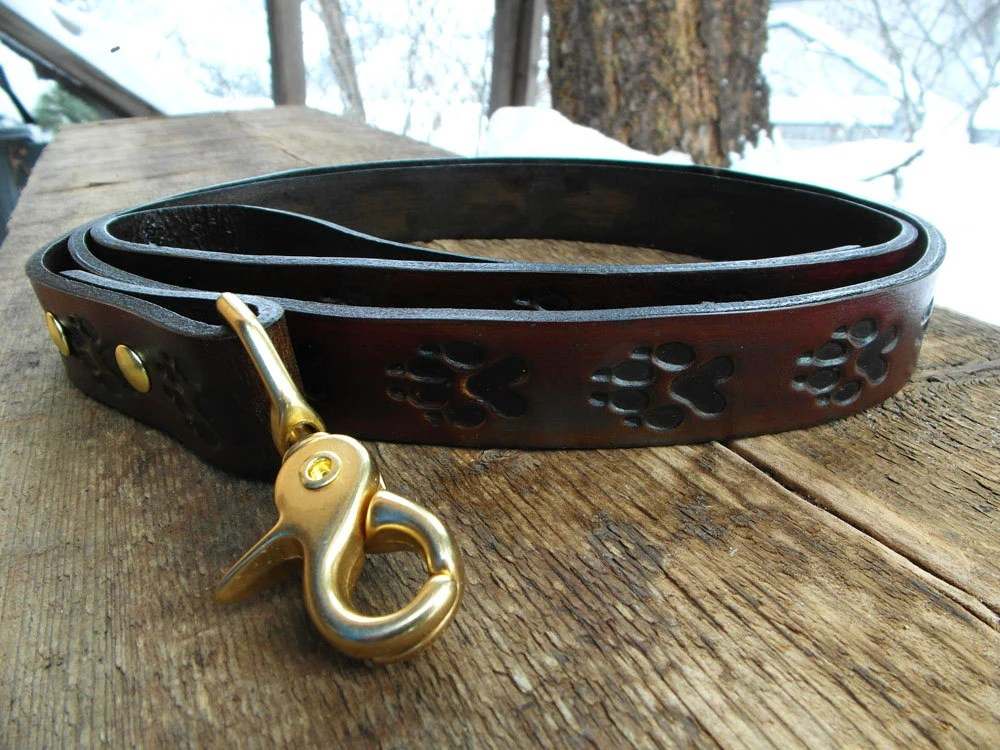 Leather Leash - hand made, engraved with wolf prints