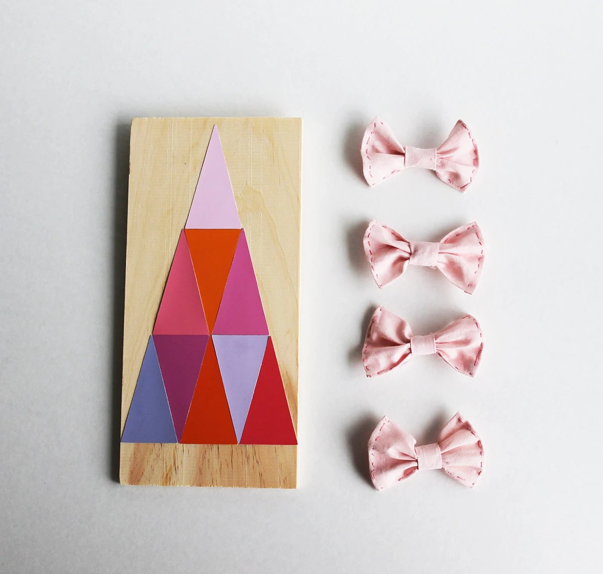 Small pink hair bow - AnatomyFashion