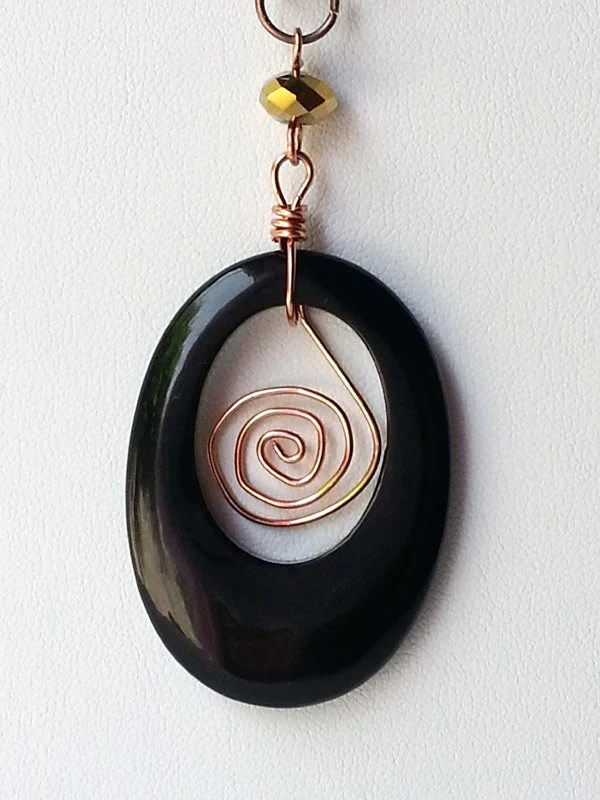 Serengeti Queen - Wire wrapped onyx pendant necklace