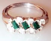 On sale Avon signed  Evening Classic Emerald Rhinestone cocktail  ring  1975