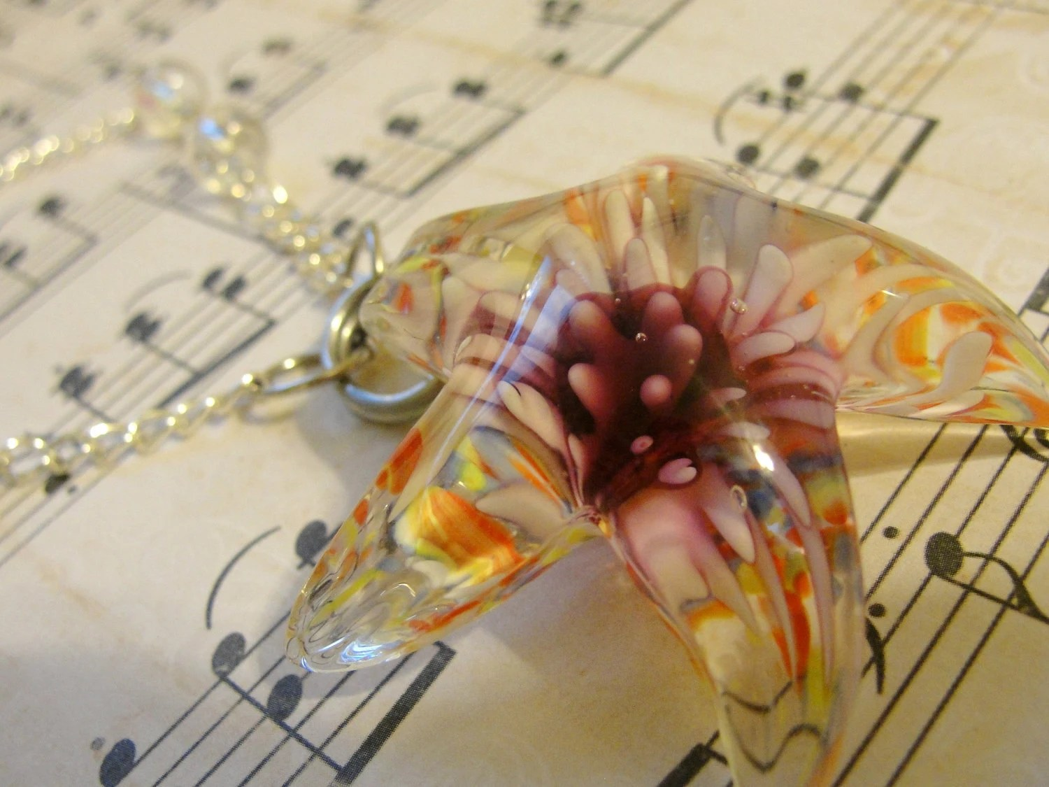 Morning Daydream Starburst Star Shaped Glass Necklace With Rose Clasp