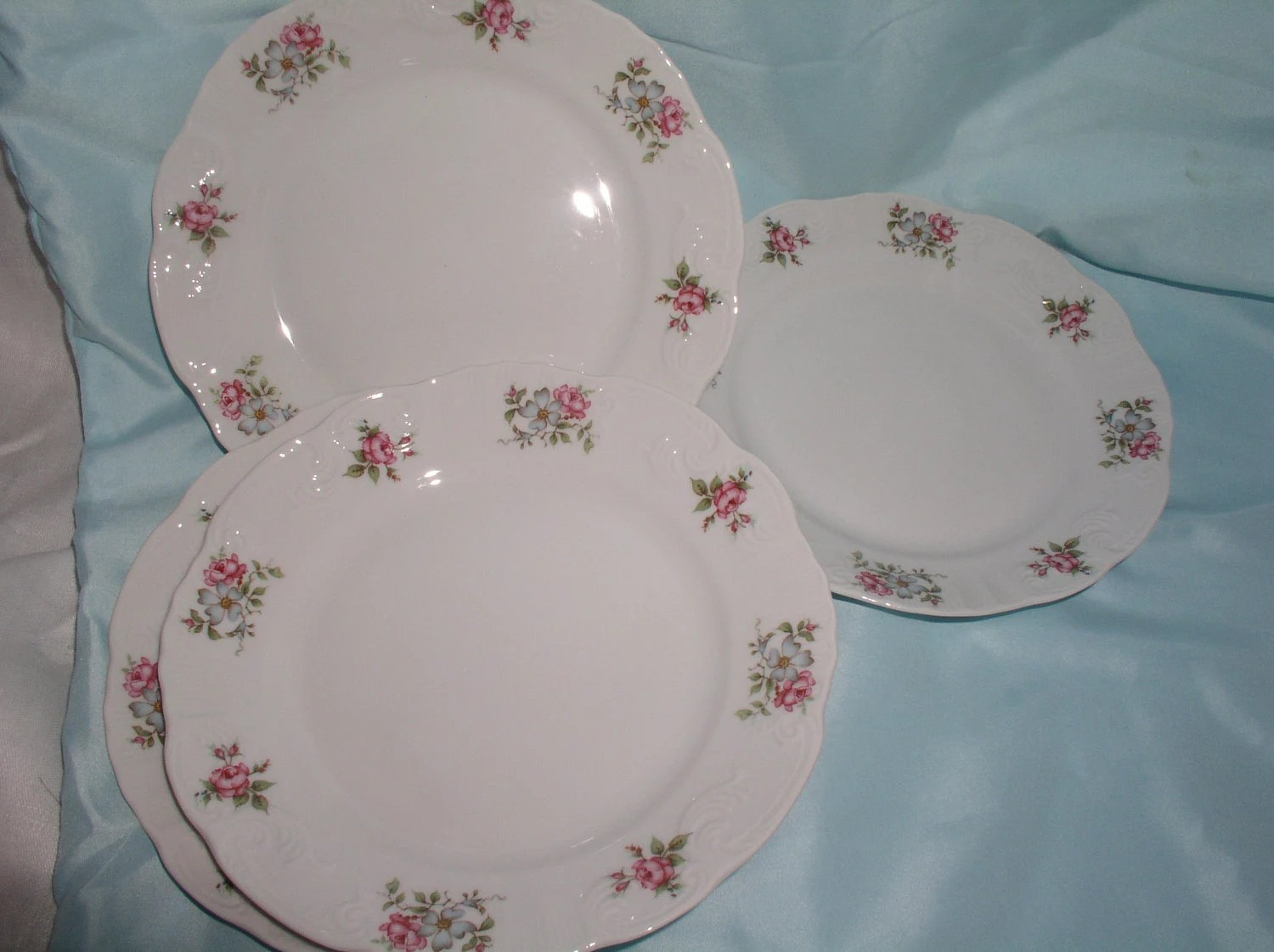 Rose Garden Salad Luncheon Plates(4)  made in Portugal