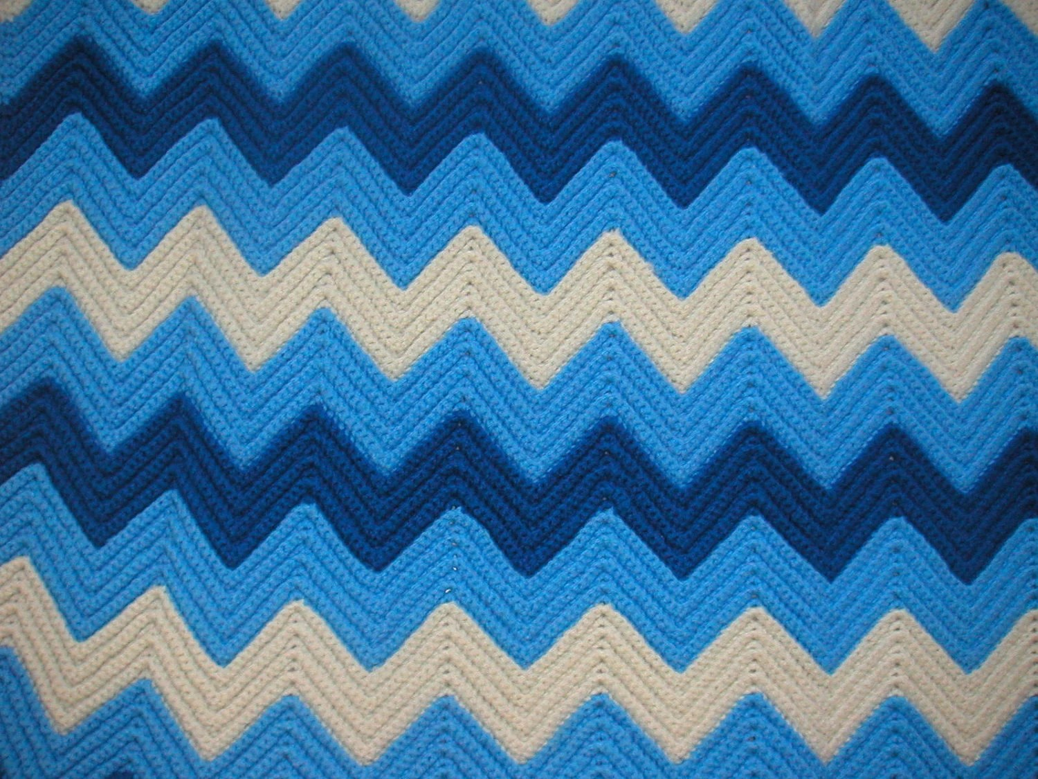 Ripple Crochet Afghan - cobalt blue, yarn, blanket, coverlet, cream, dark blue, zig zag, throw, navy