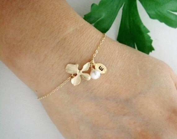 Initial Monogram and Orchid Leaf charm GOLD bracelet, white pearl, ADJUSTABLE Gold Bracelet, Bridesmaids gifts, Wedding jewelry, Mothers