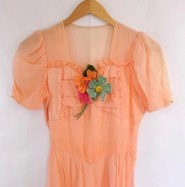 30s Peach Gown / Multi Color Flower Appliques