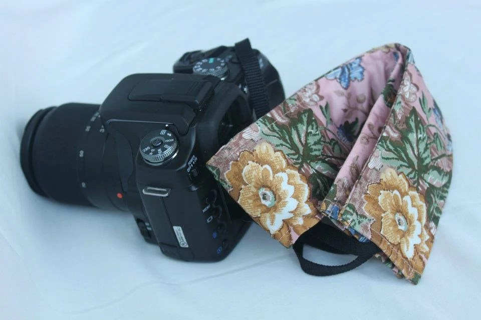 Stylish DSLR Camera Strap Cover - Made in Peru - Florcita