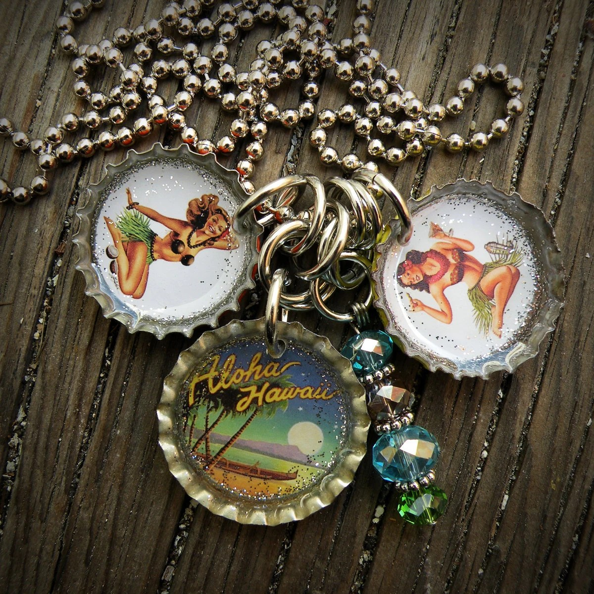 Vintage Hawaiian Pin Up Girl Bottle Cap Necklace - betsysdrawers