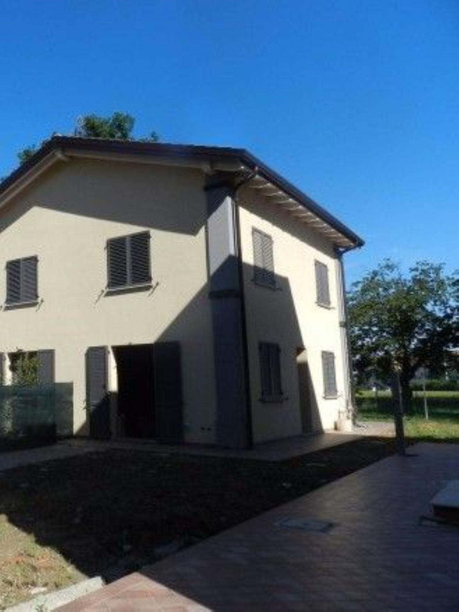Casa Villetta Bifamiliare In Vendita Via San Donato 213