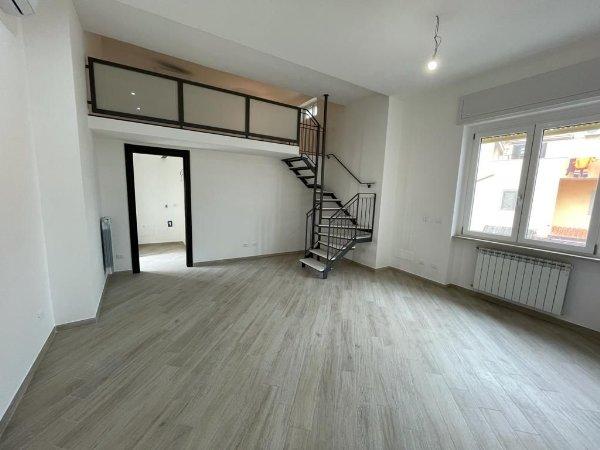 Come progettare una casa unifamiliare a due piani: Appartamenti Su Due Piani A Fiumicino Roma Idealista