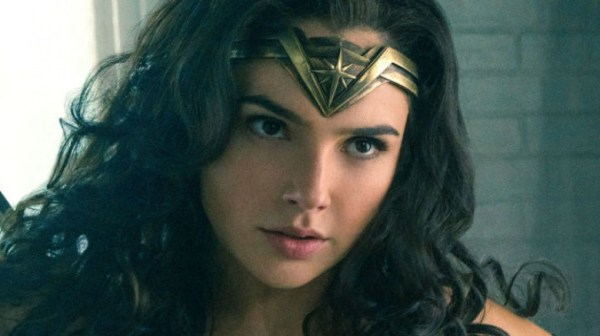 Wonder Woman 1984 SDCC footage: Diana fights in a mall
