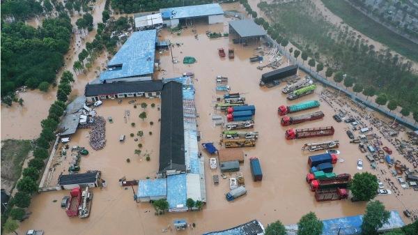 「4天下了一年雨」安徽固鎮鎮潰壩 萬人受困待援(圖) 安徽   洪災   大雨   時事追蹤   看中國網
