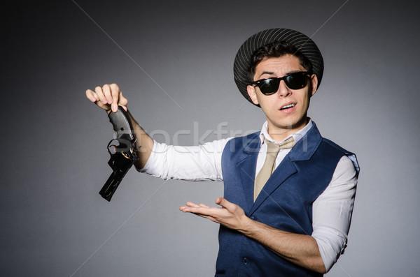 Homem · óculos · de · sol · pistola · mão · engraçado ...