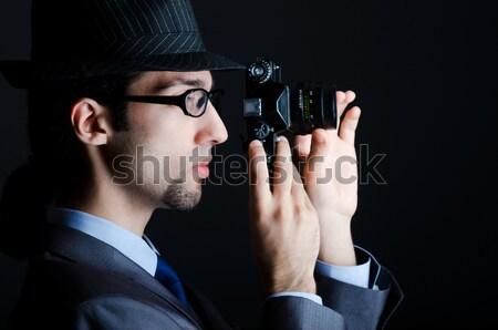 Homme · lunettes · de · soleil · fusil · main · drôle ...