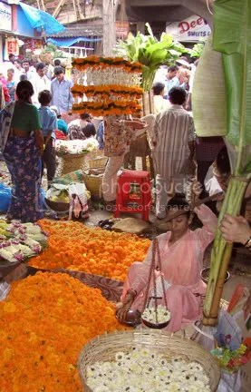 Flowers sellers in Dadar Mumbai during Ganapati by Arun Shanbhag