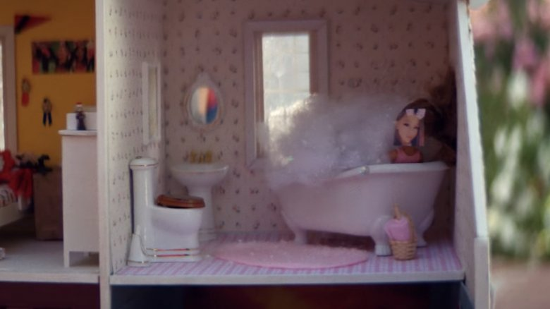 Small Details In Ariana Grandes Thank U Next Video