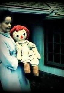 Annabelle-la-muneca-poseida