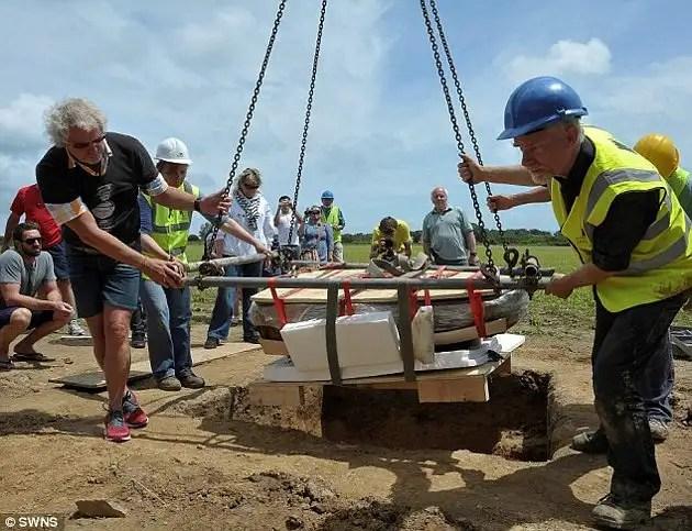 article216489713cb44a00 - Arqueólogo aficionado descubre con detector de metales un tesoro Celta valorado en en 15 Millones