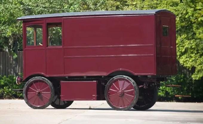 1909walker02700 - Coche eléctrico de 1909 vendido en eBay por 100 Mil euros