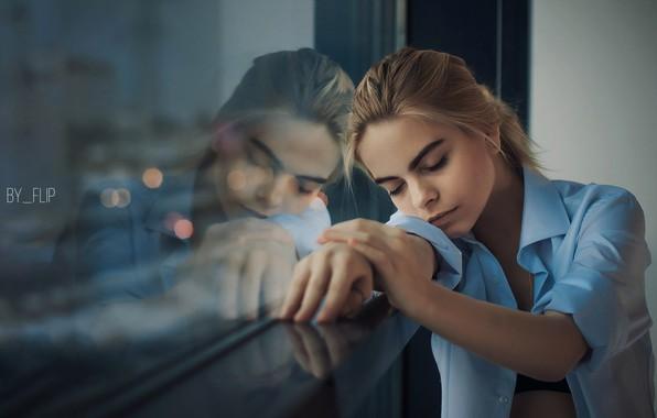 Обои girl, photo, photographer, model, mood, bokeh, window ...