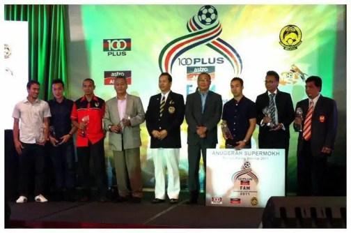 pemenang anugerah bole sepak kebangsaan 2011, anugerah bola sepak kebangsaan  100 plus FAM 2011