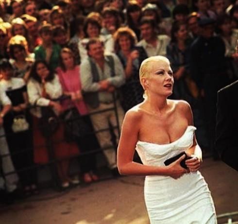Рената Литвинова вспомнила молодость и показала грудь ФОТО ...