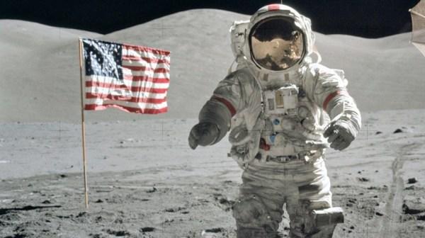 Роскосмос жестко ответил на указ Трампа о праве США на Луну