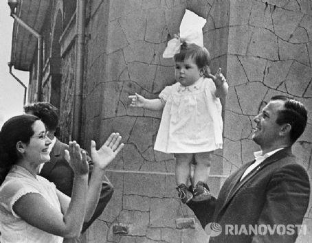Yuri Gagarin and Valentina Gagarina | Valentina Ivanovna ...