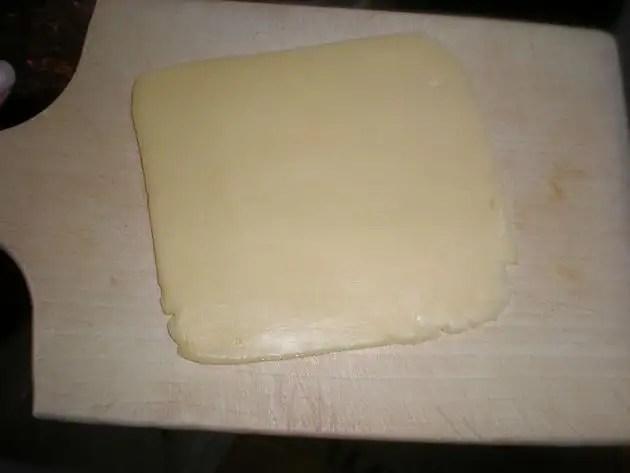 Loncha de queso amarillo