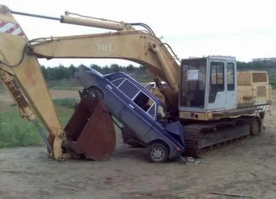 65104705 - Accidentes bizarros de coches