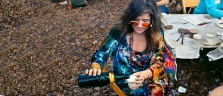 Janis Joplin vestindo tie-dye