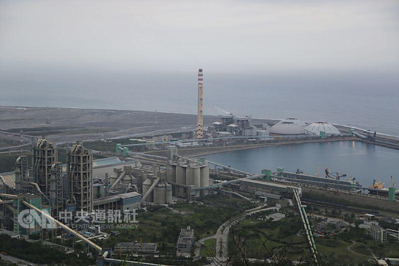 和平電廠破管解聯 供電亮警戒橘燈   產經   重點新聞   中央社 CNA