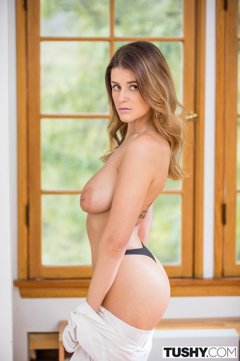 Michele James – Right On Time (Tushy.com/2019/SD)