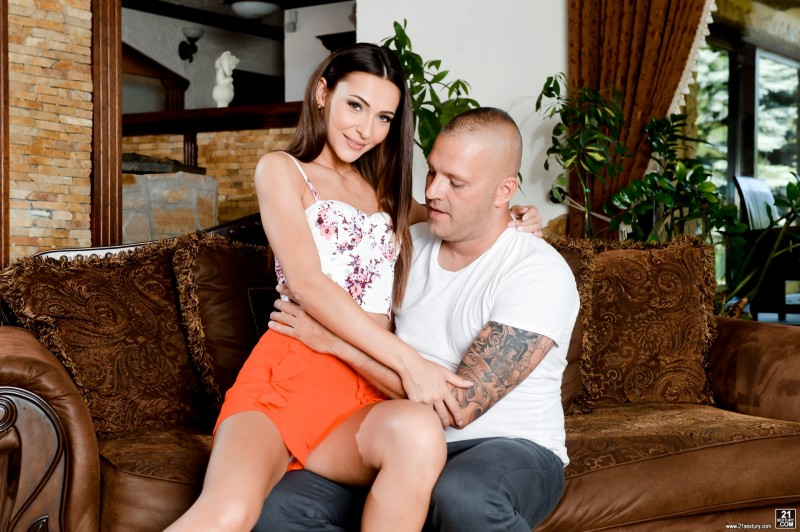 Alexis Brill – Taking Care Of The Wife (21Sextury)