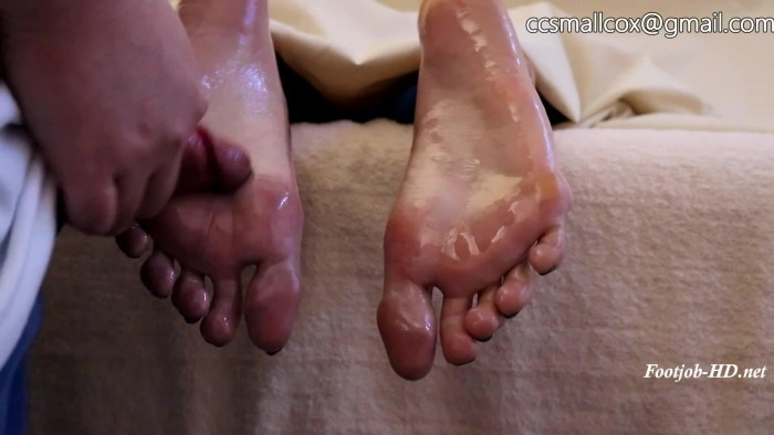 MILF Gets Sticky While Her Husband Runs Errands – STICKY SOLES
