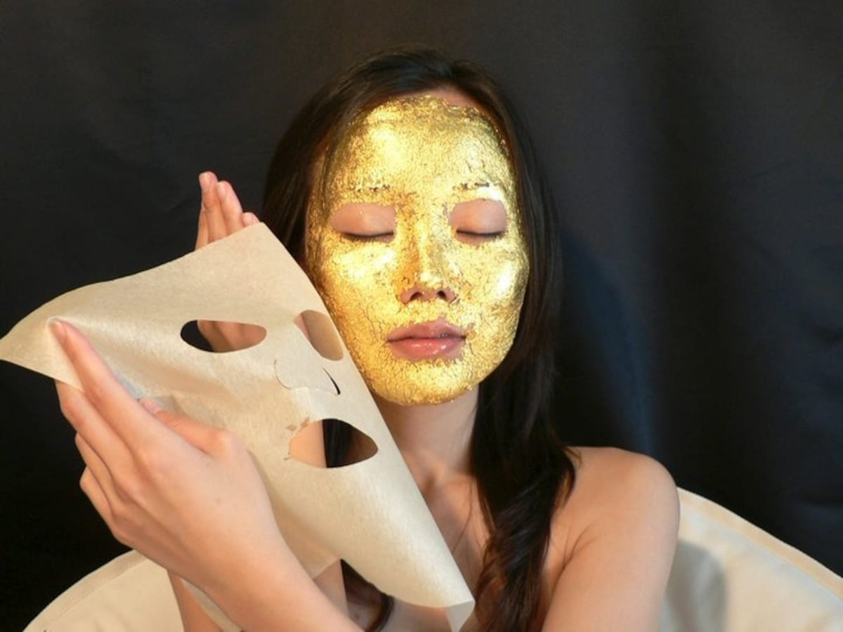 1. Kinka 24K Gold Mask