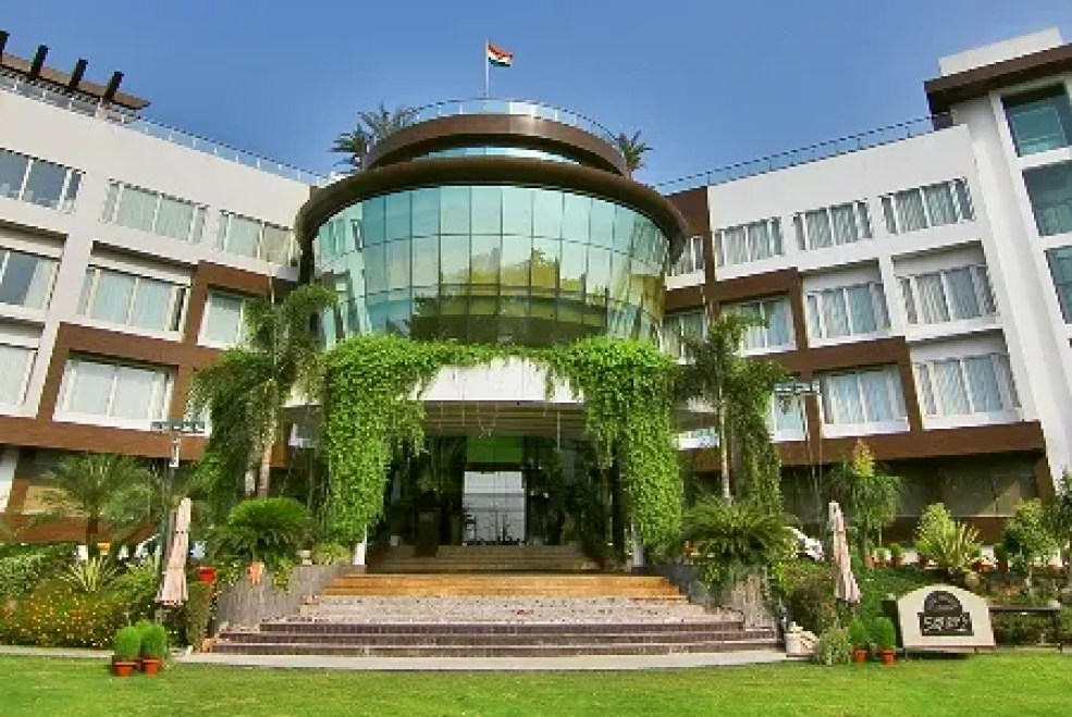 Hotel Dayal Paradise, Lucknow - trivago.in