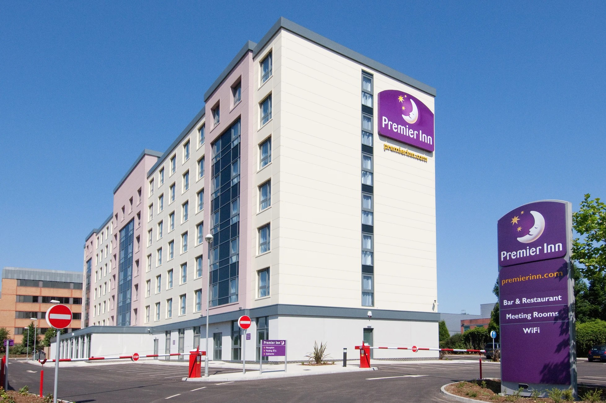 Hotel Premier Inn London Gatwick Airport Manor Royal Hotel
