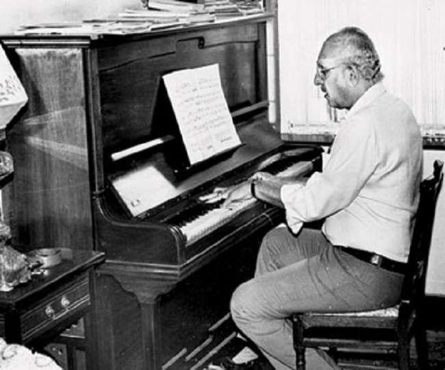 Vanraj Bhatia, Wagle Ki Duniya music composer, passes away at 93; Smriti  Irani, B-town celebs