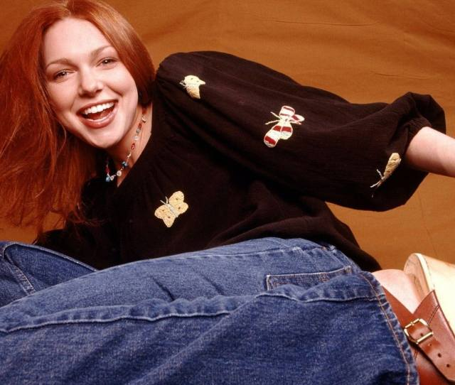 Laura Prepon As Donna On That 70s Show Is One Of The Most Fashionable Tv Characters Ever As Proven By 16 Gifs