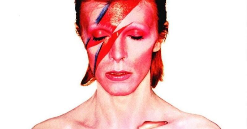 David Bowie S Most Influential Makeup