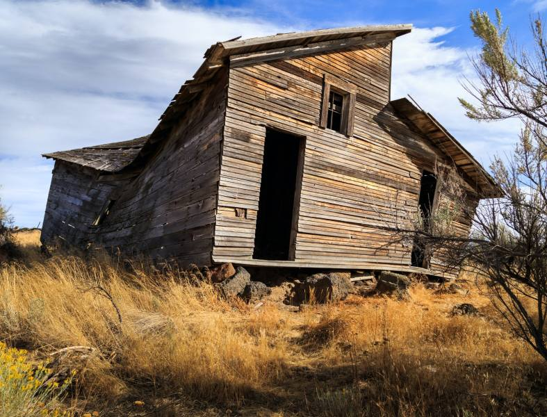 8 Creepy Things People Actually Found In The Middle Of Nowhere     The Stranger